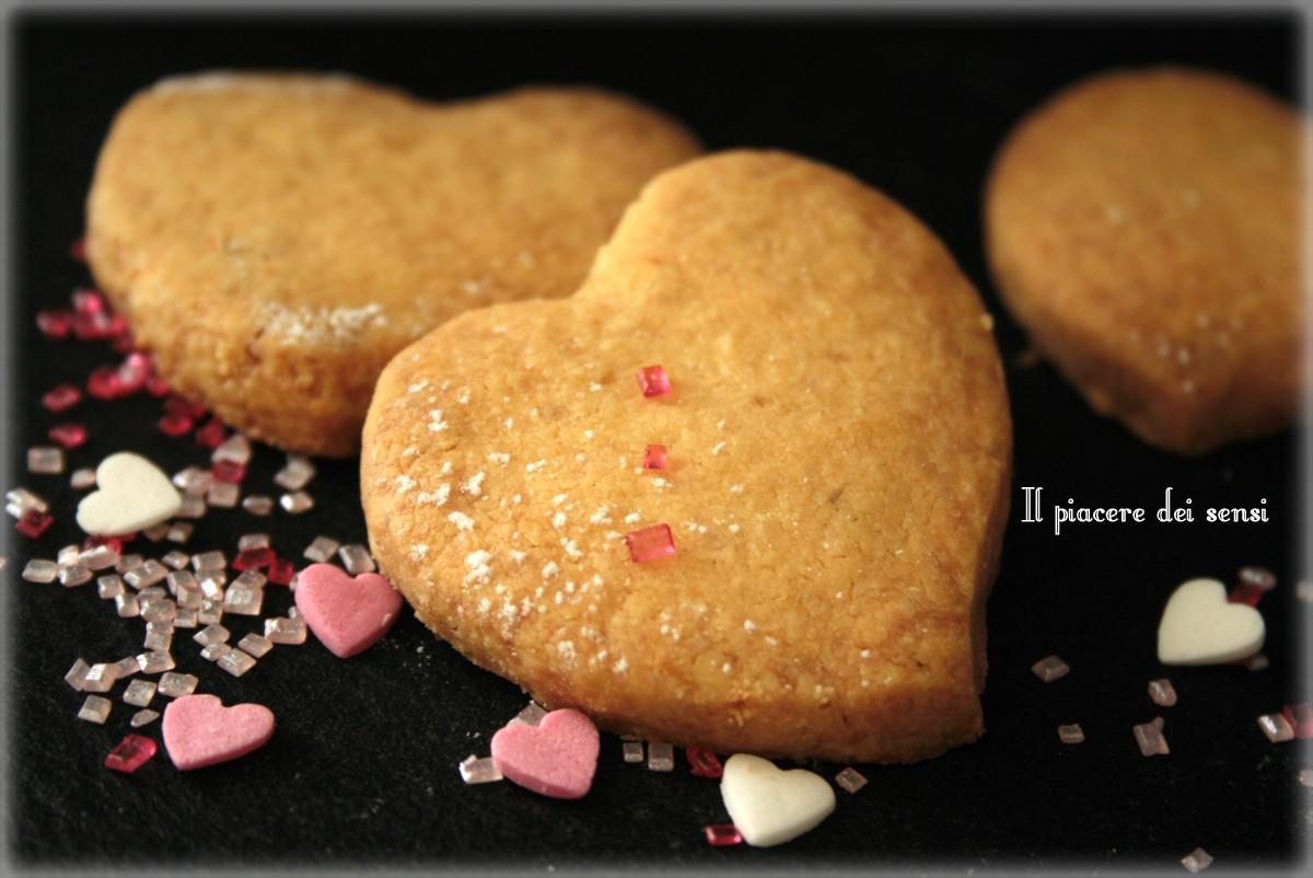 biscotti friabili alle nocciole