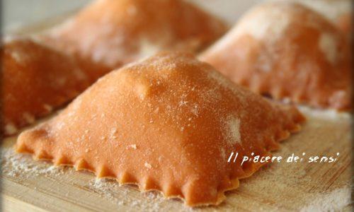 Ravioli ai quattro formaggi con pistacchio