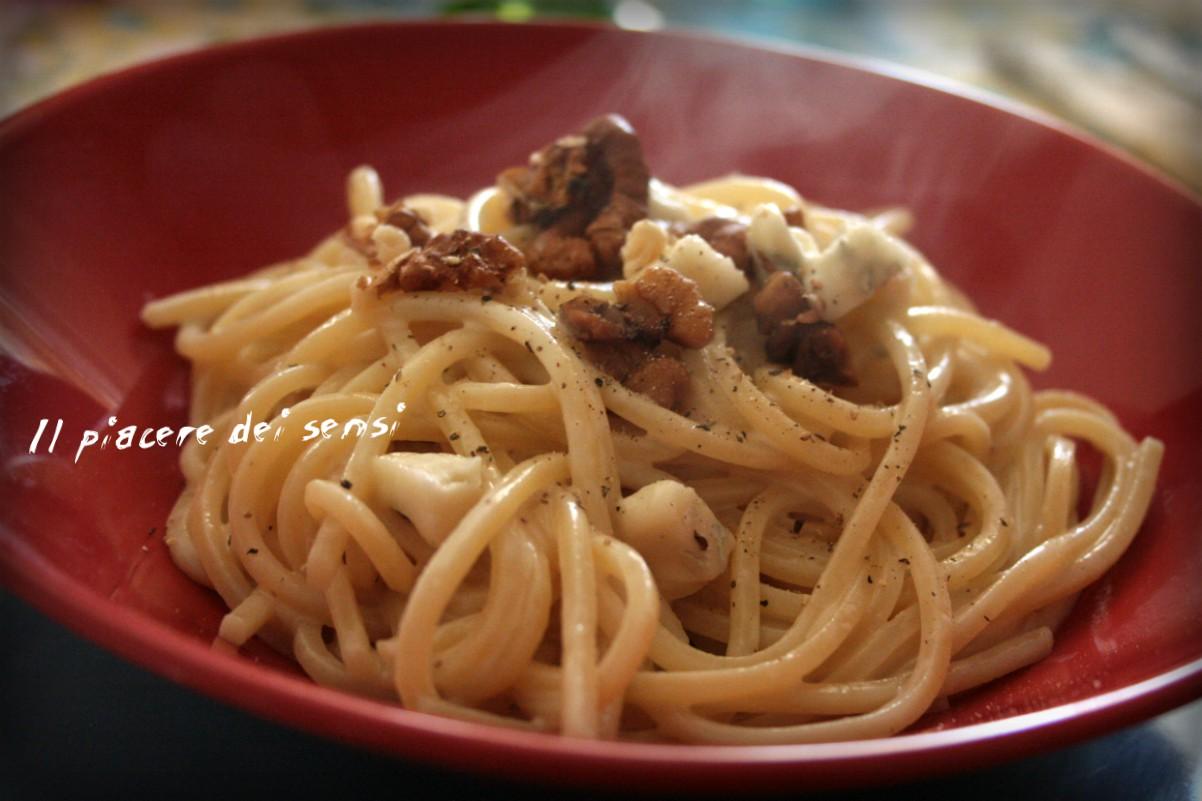 Spaghetti al gorgonzola e noci