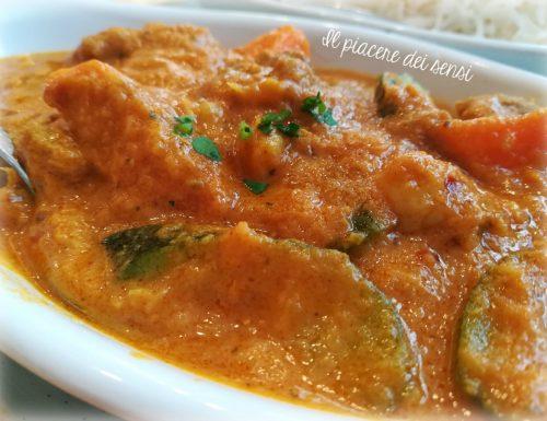 Spezzatino di vitello e verdure in salsa piccante al curry