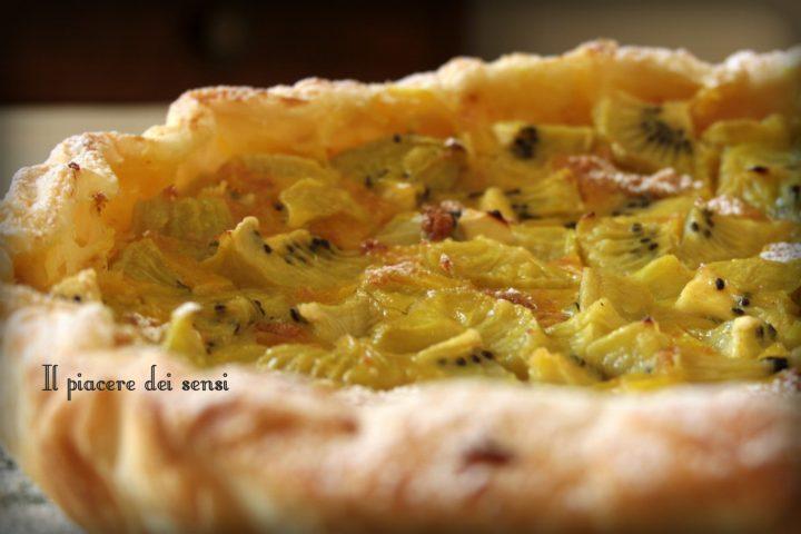 Torta con kiwi ed amaretti