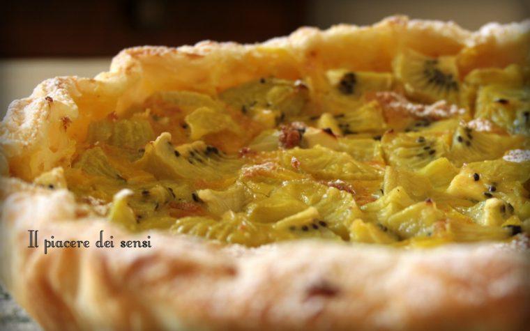 Torta con kiwi ed amaretti velocissima