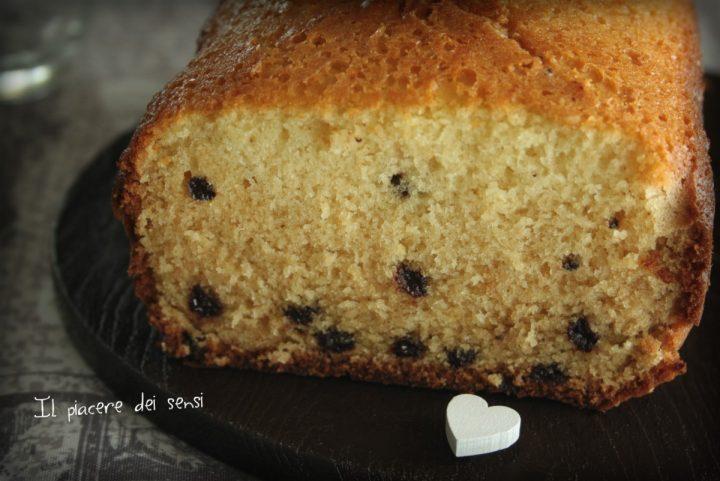 Plumcake al cocco con gocce di cioccolato macchina del pane