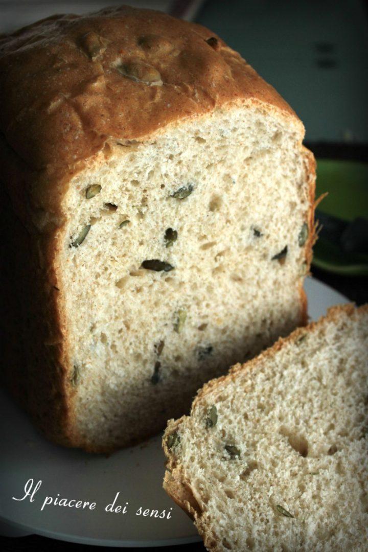 Pan bauletto con semi di zucca