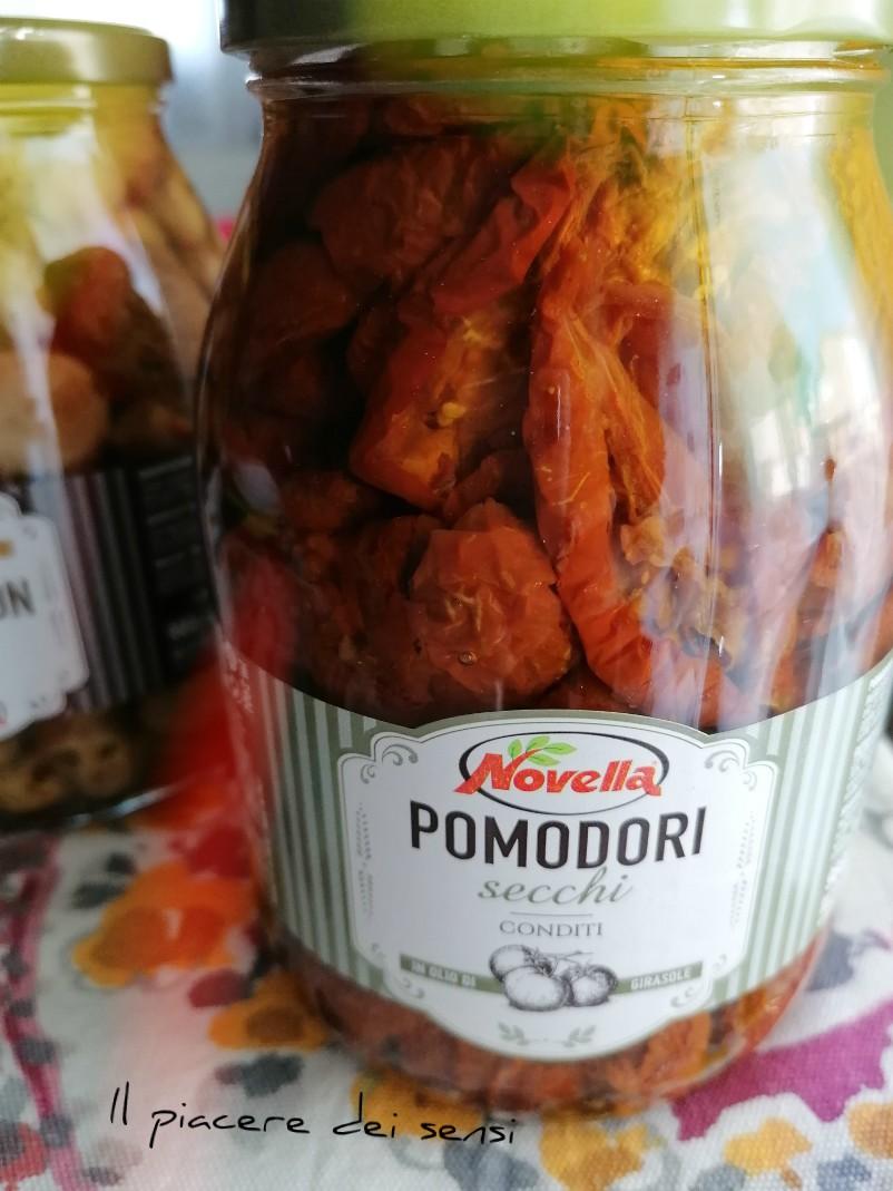Girelle con pomodori secchi Novella