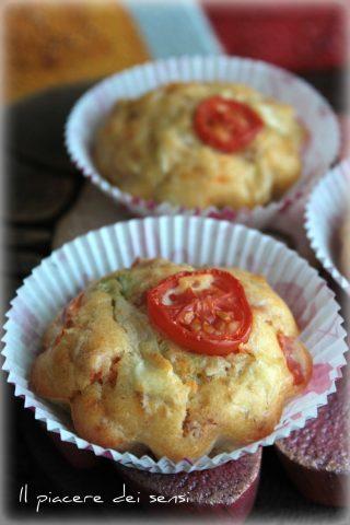 muffins con pomodoro insalata e prosciutto