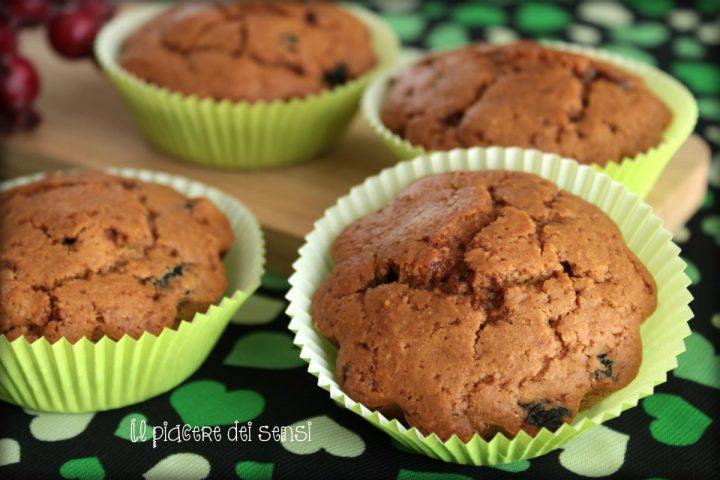 Muffins ai mirtilli e tè nero con farina d'avena