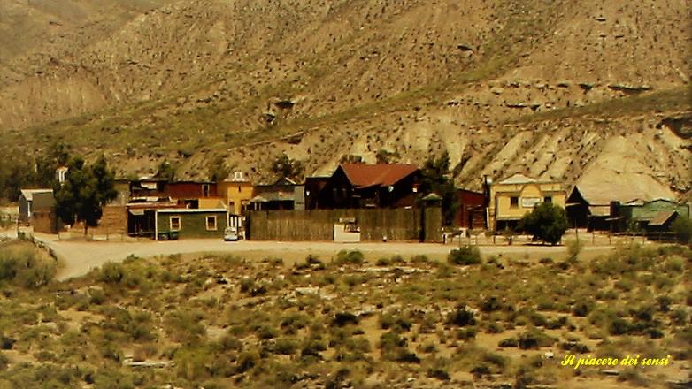 Una volta il west vedeva sorgere villaggi di pionieri. Ricostruzione a Tabernas