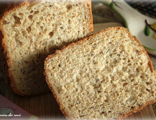 Pane al farro e segale con semi di lino