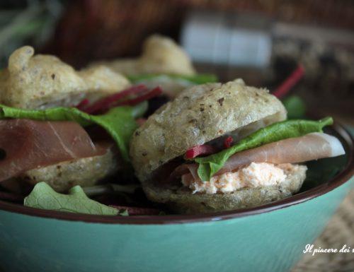 Zeppole salate farcite