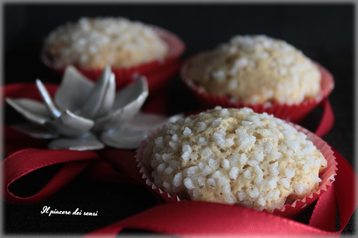 Muffins al vino dolce con noMuffins al vino dolce con nocciole e ananas vegancciole e ananas